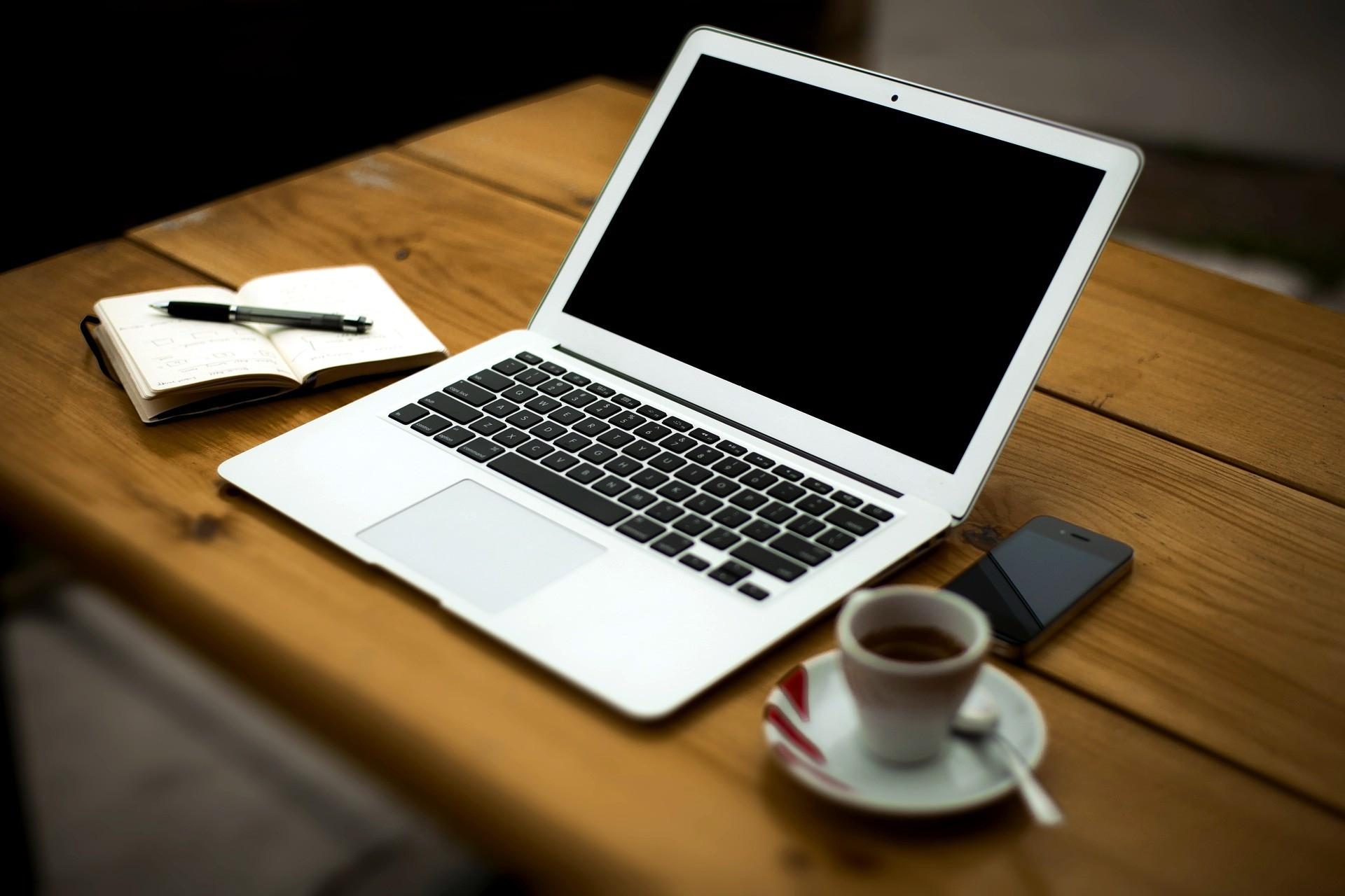 Eladó számítógépek otthonra, munkára