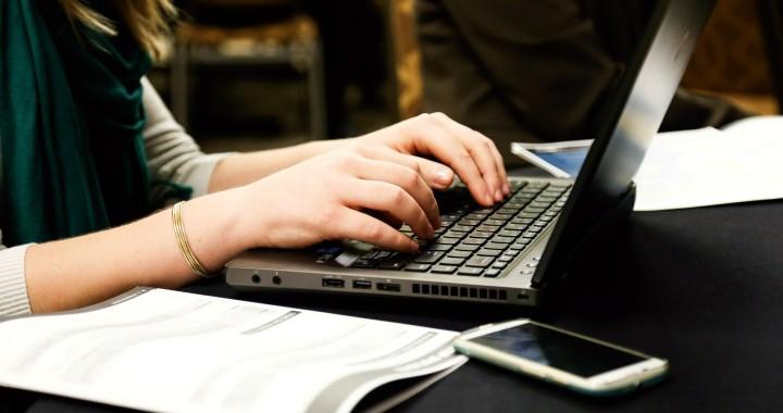 Helyszíni laptop szerviz, javítás, bővítés Pc Szabó