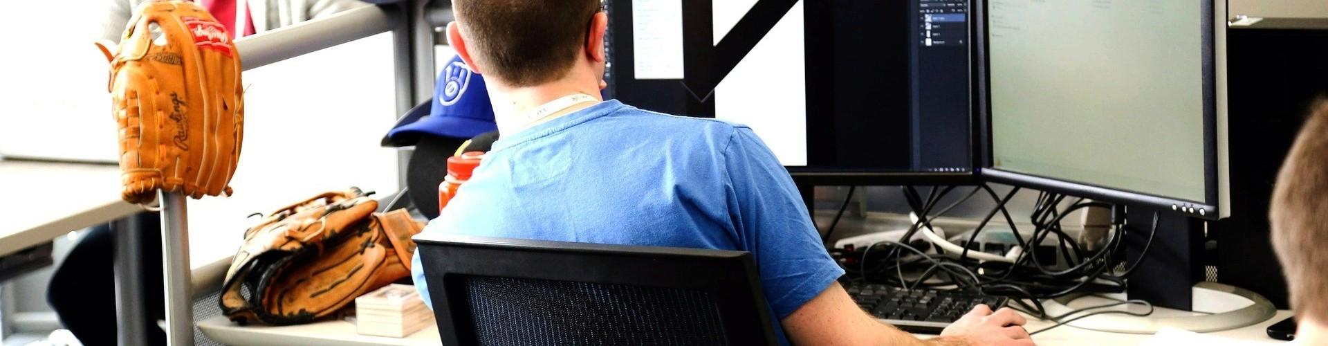 Helyszíni Számítógép szerviz, pc beállítás, bővítés cégeknek, vállalkozásoknak is